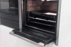 Four encastrable NEFF Multifonction SLIDE & HIDE, avec porte entièrement escamotable, cuisiniste Cholet 49.